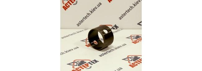 Втулку пальца поворотного  цилиндра  JCB 3CX, 4CX